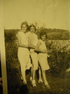 """Auntie Lee,"" aka ""Zia Pasqualina,"" center, with two of her cousins at the Becce farm in Waterbury, Connecticut"